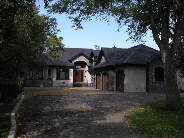 Elegant Home on Red Deer Escarpment